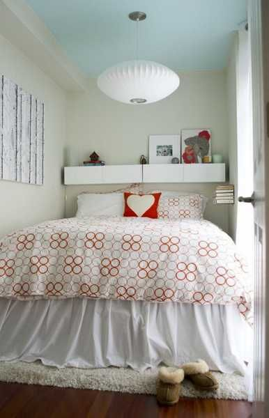 33 Small Bedroom Designs That Create Beautiful Small Spaces And Increase Home Values Tiny Bedroom Small Bedroom Small Bedroom Designs