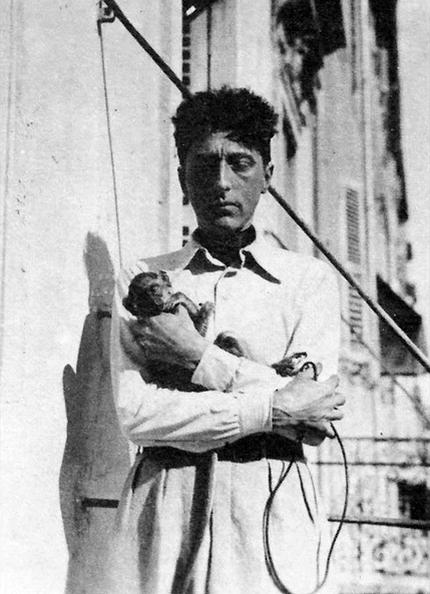 Jean Cocteau à Toulon, vers 1930.