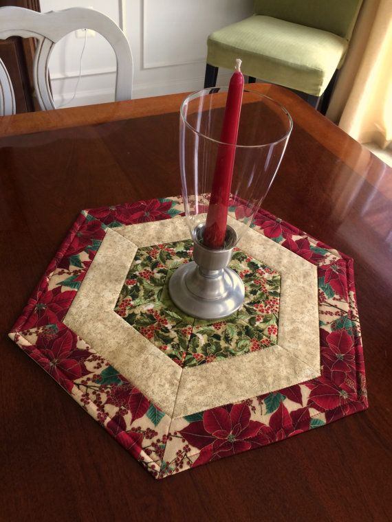Christmas red green quilted hexagon table runner candle for Round table runner quilt pattern
