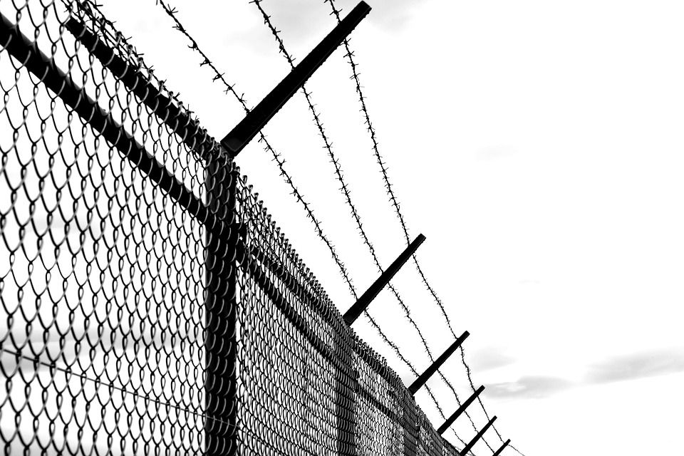 Free Image on Pixabay - Barbed Wire, Fence, Old, Verrostst | Barbed ...