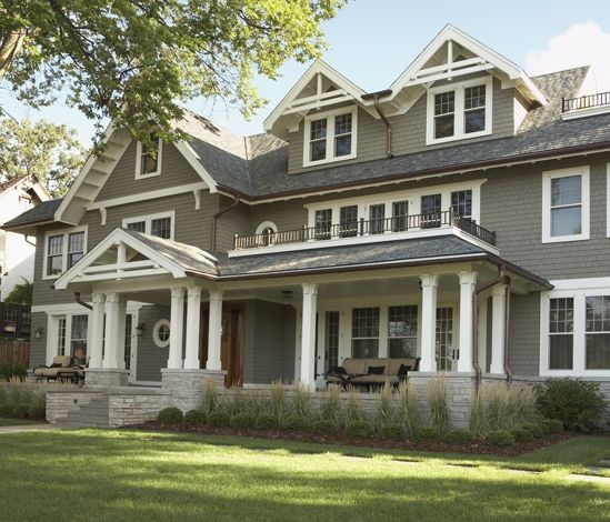 Victorian Home's Exterior Color Schemes
