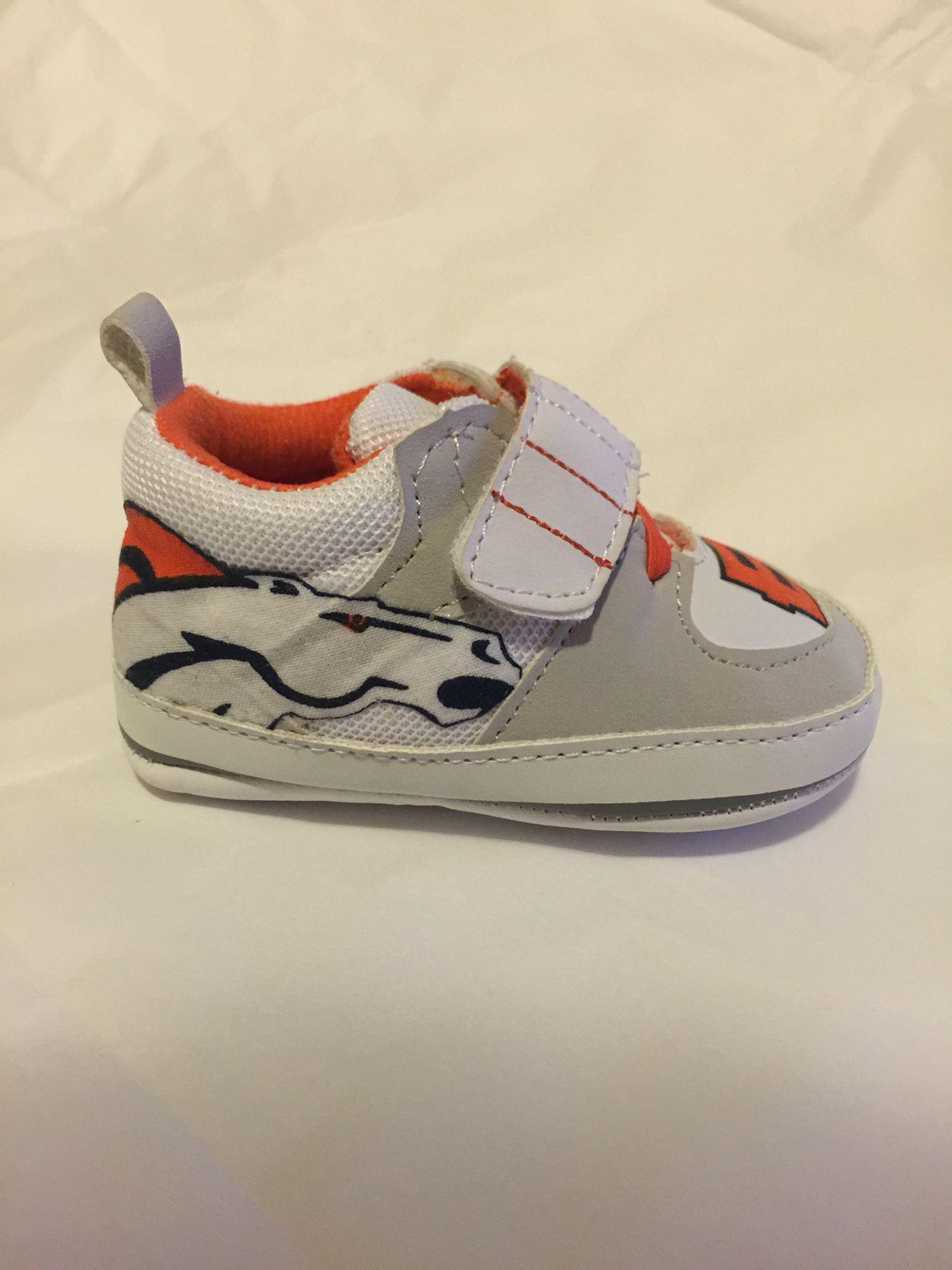 Denver Broncos baby shoes  8e0a296b0