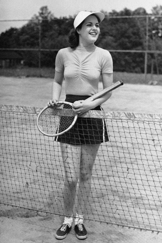 A mid-century model sporting a cute tennis look. #vintag #tennis #sports #1940s #1950s