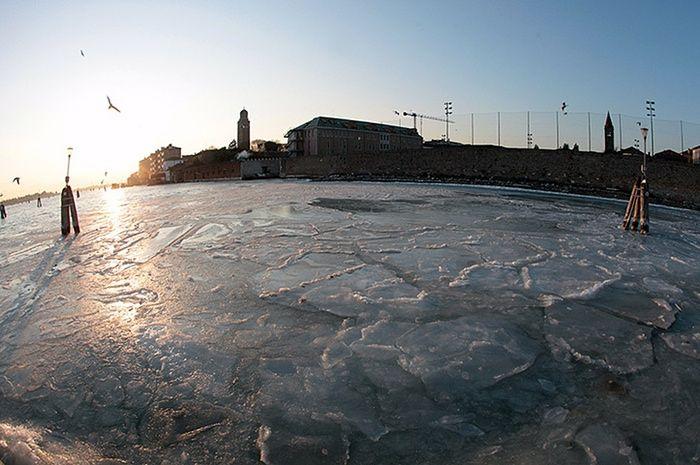 Frozen Venice: The partially frozen lagoon