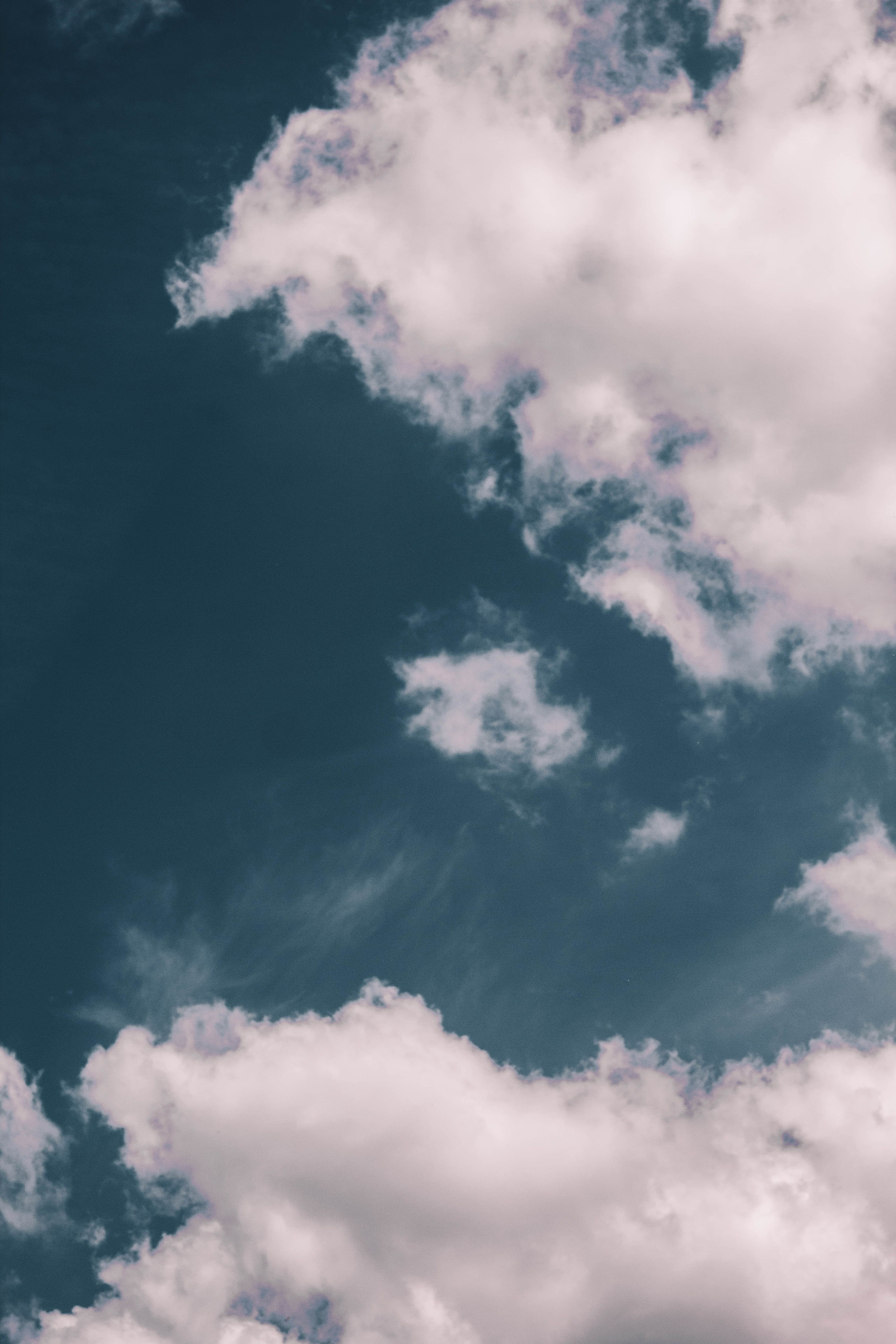 Pin By Maria Martinez Sastre On Oboi Sky Aesthetic Blue Wallpaper Iphone Scenery