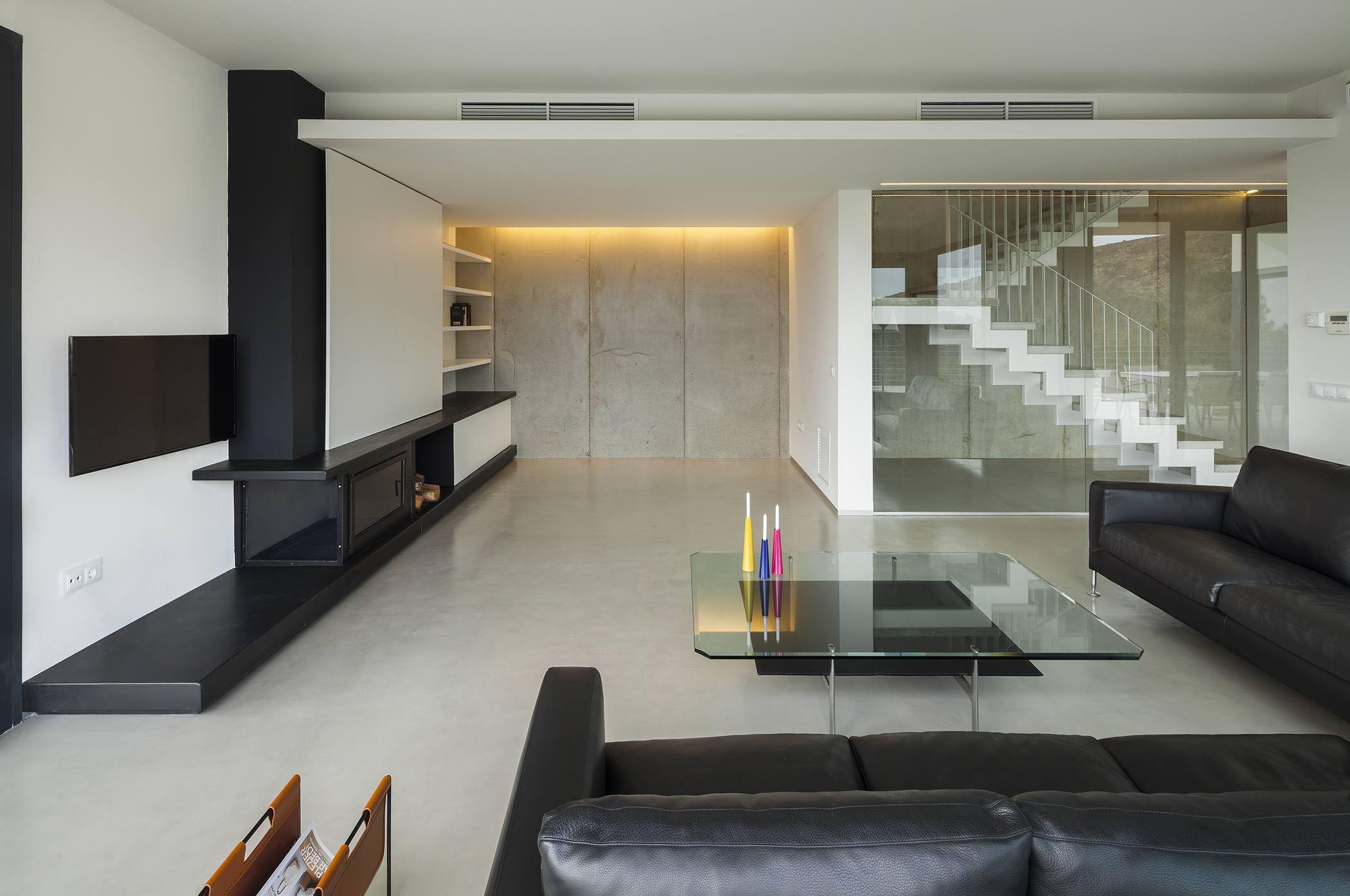 Casa dise o frente al mediterr neo sala pinterest for Ver interiores de casas modernas