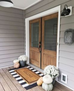 33 Best Farmhouse Front Porch Decorating Ideas For 2019