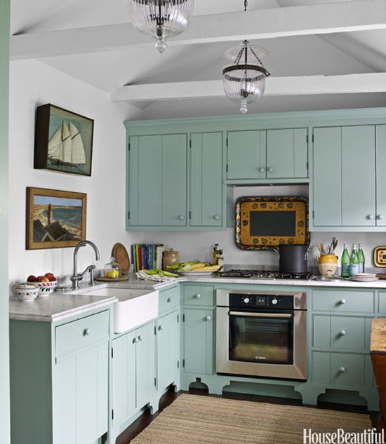 Gary Mcbournie 39 S Nantucket Beach Cottage Kitchen Is Benjamin Moore Covington Blue Love The