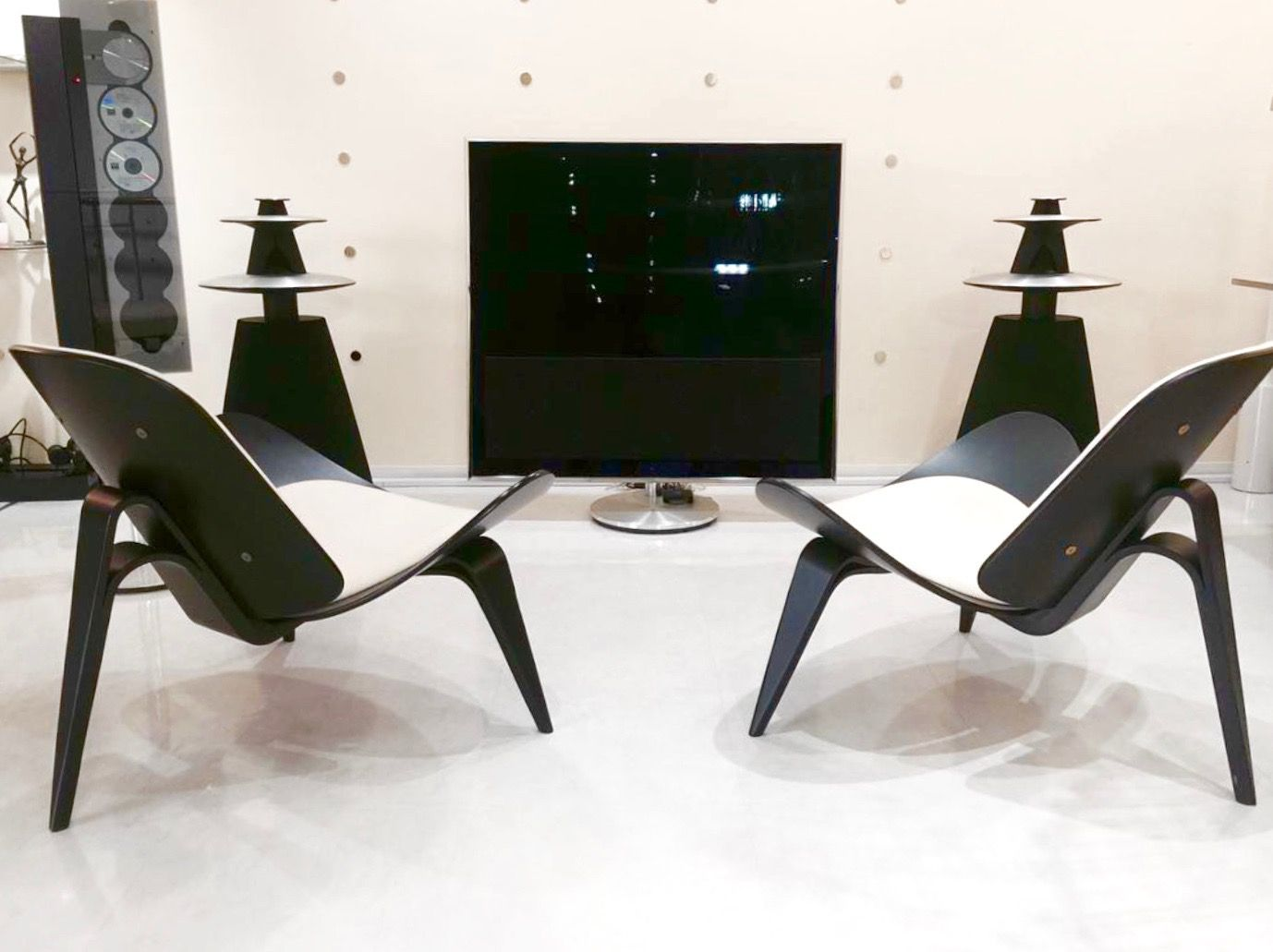 Bang And Olufsen Beovision 11 a beovision 11 and a pair of beolab 5! what else? cool photo