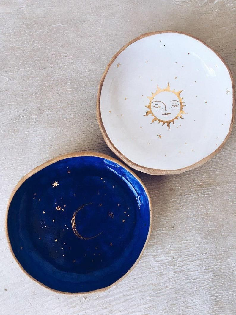 Small celestial bowls with Sun and Moon - Gold wedding dish or gravy boats - Julia Pilipchatina, Tiletiletesto studio ceramics