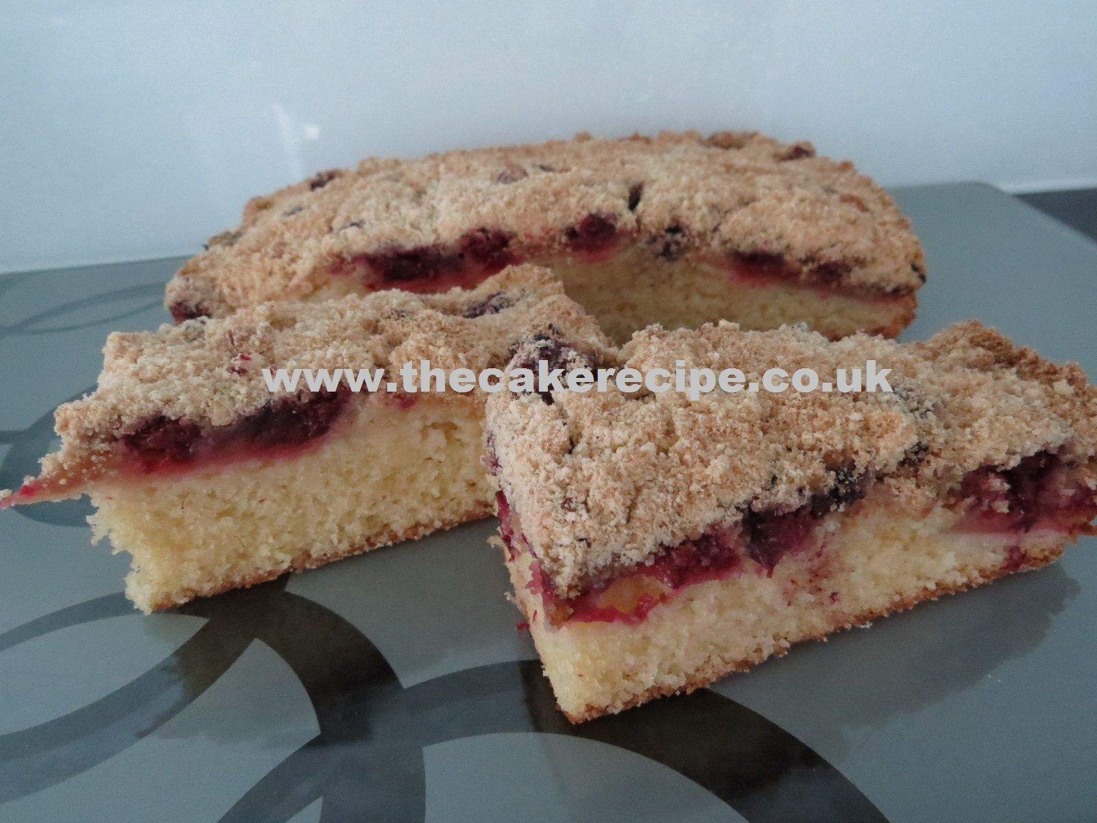 Blackberry And Apple Crumble Cake Cakes The Cake Recipe Free Easy Baking Recipes For Cakes Cupcakes Cookies Easy Baking Recipes Cake Recipes Baking