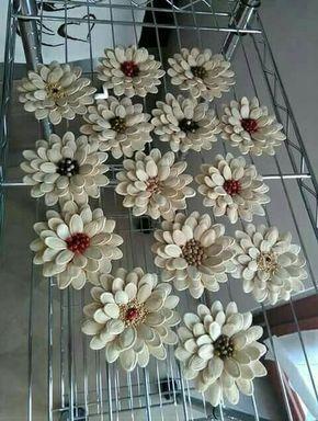 Handwerk - #dekoration #handwerk #pineconeflowers