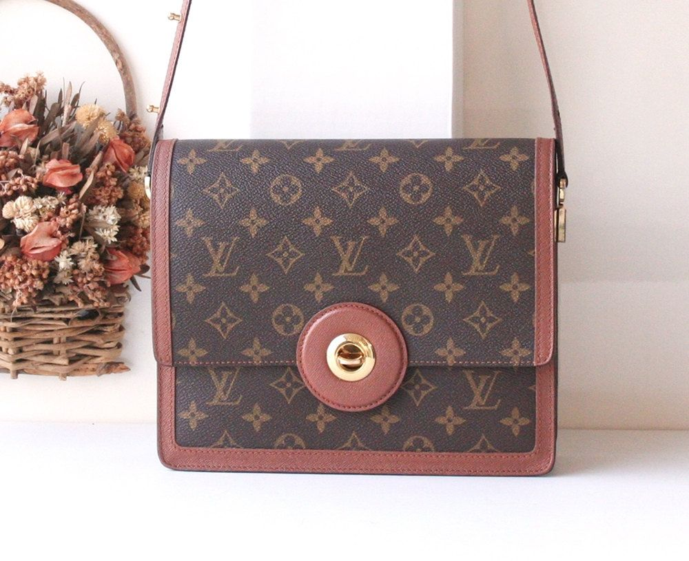 6b32a1823dfe Louis Vuitton Monogram 2 way Shoulder handbag Authentic Vintage bag by  hfvin on Etsy  louisvuitton  monogram  2way  shoulderbag  brown  hfvin