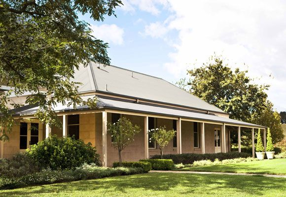 Country homestead dream home pinterest hedges home for Australian country style homes