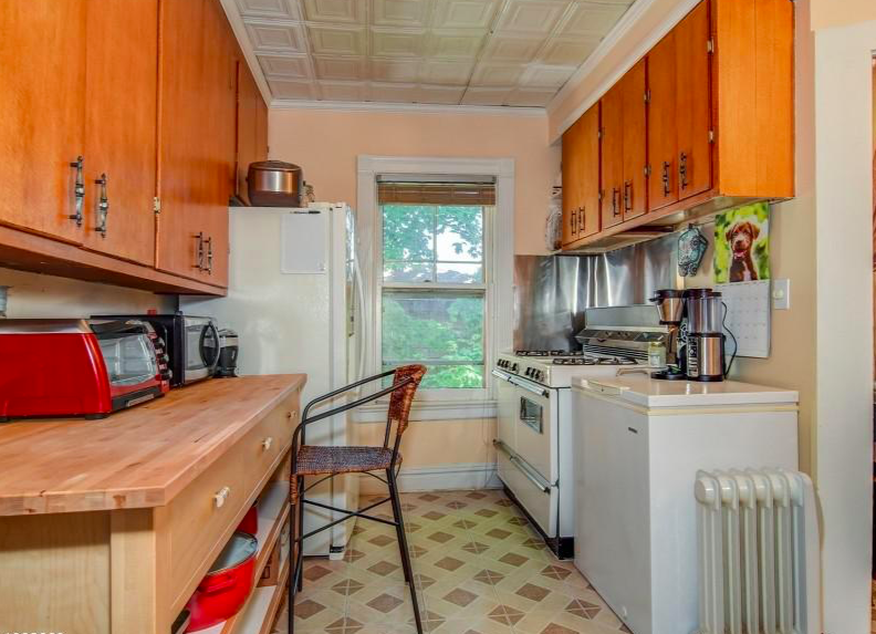 Second Floor Kitchen Perfect For Guests Or Tenants Click The Link For More Details On 60 Gates Ave Located In Th With Images Kitchen Flooring Retro Kitchen Historic Home