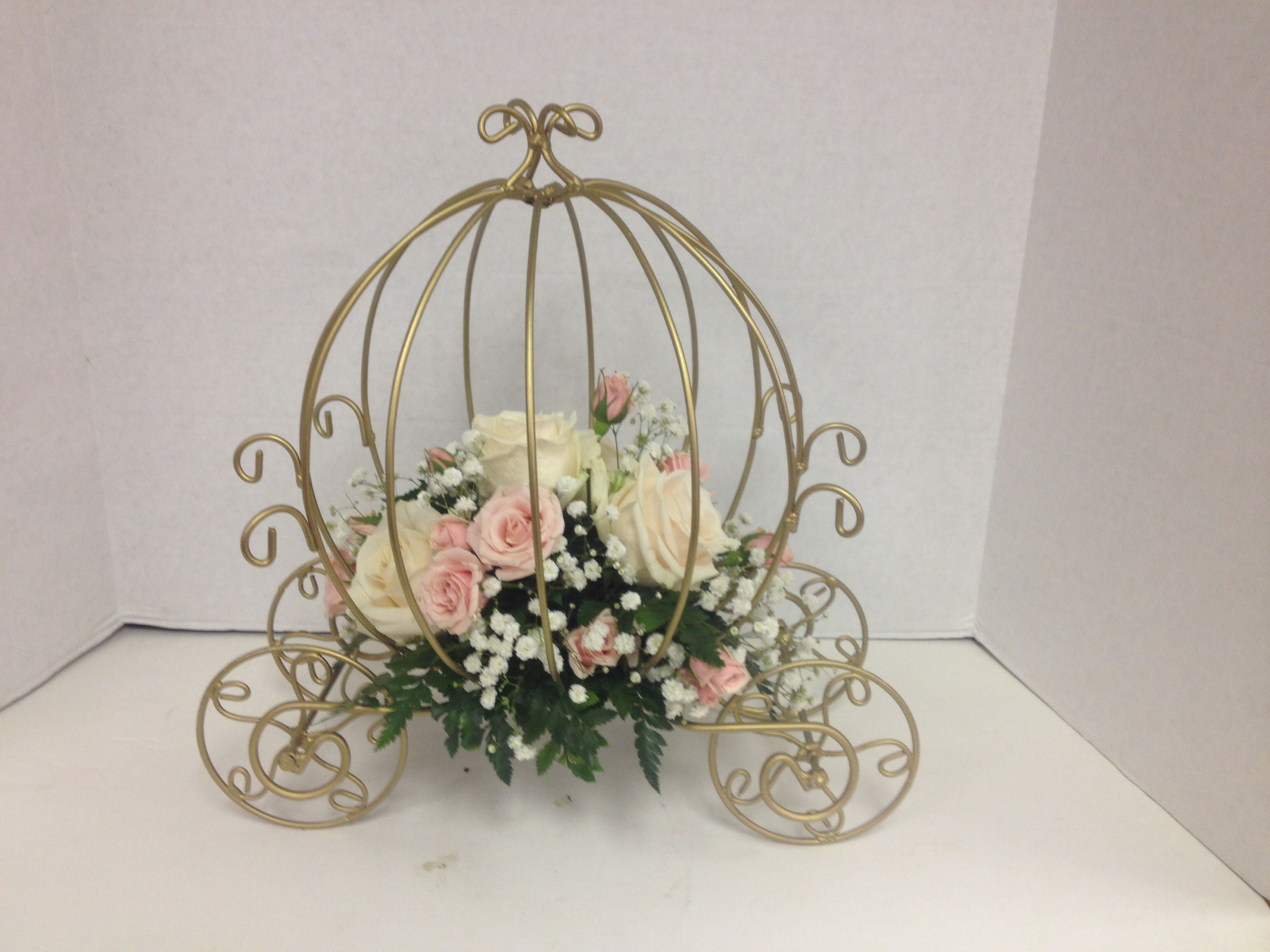 Carriage Centerpieces With Cream And Pink Roses Wedding Ideas