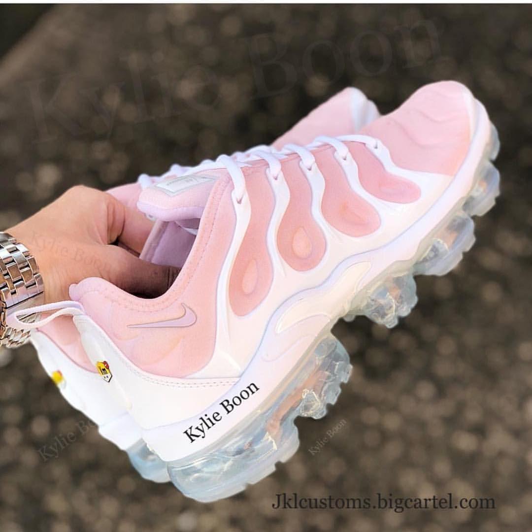 b9c447ea72 AliyaMadani | Shoes | Pinterest | Shoe game, Sneaker heads and Footwear