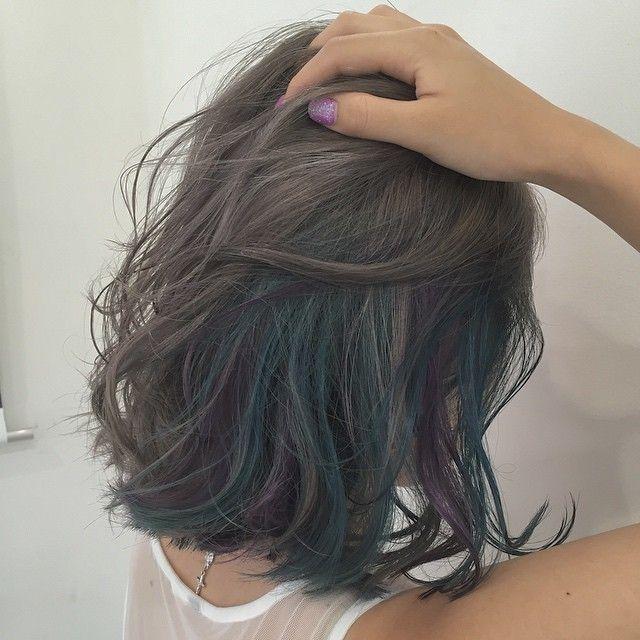 学校や職場の関係で髪が明るくできない人 でももっとヘアカラーは楽しみたい 大丈夫 髪が暗くたってお洒落は楽しめるんです 暗めアッシュ グレー ネイビー ブルー すこし明るめのグリーン ピンクパープルのインナーカラーをご紹介 そして Cabelo Bonito