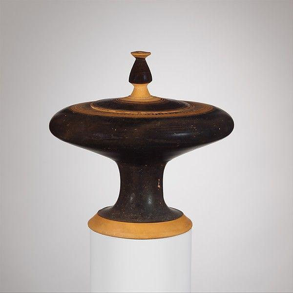 containers - VI Century BC - Terracotta plemochoe (vase for perfume)