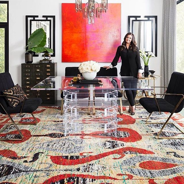 Scout Design Studio On Instagram Sunday Vibes In Elizabeth Mollen S Dining Room We Have This Stacked Lucite Dining Tabl Elle Decor Magazine Decor Loloi Rugs