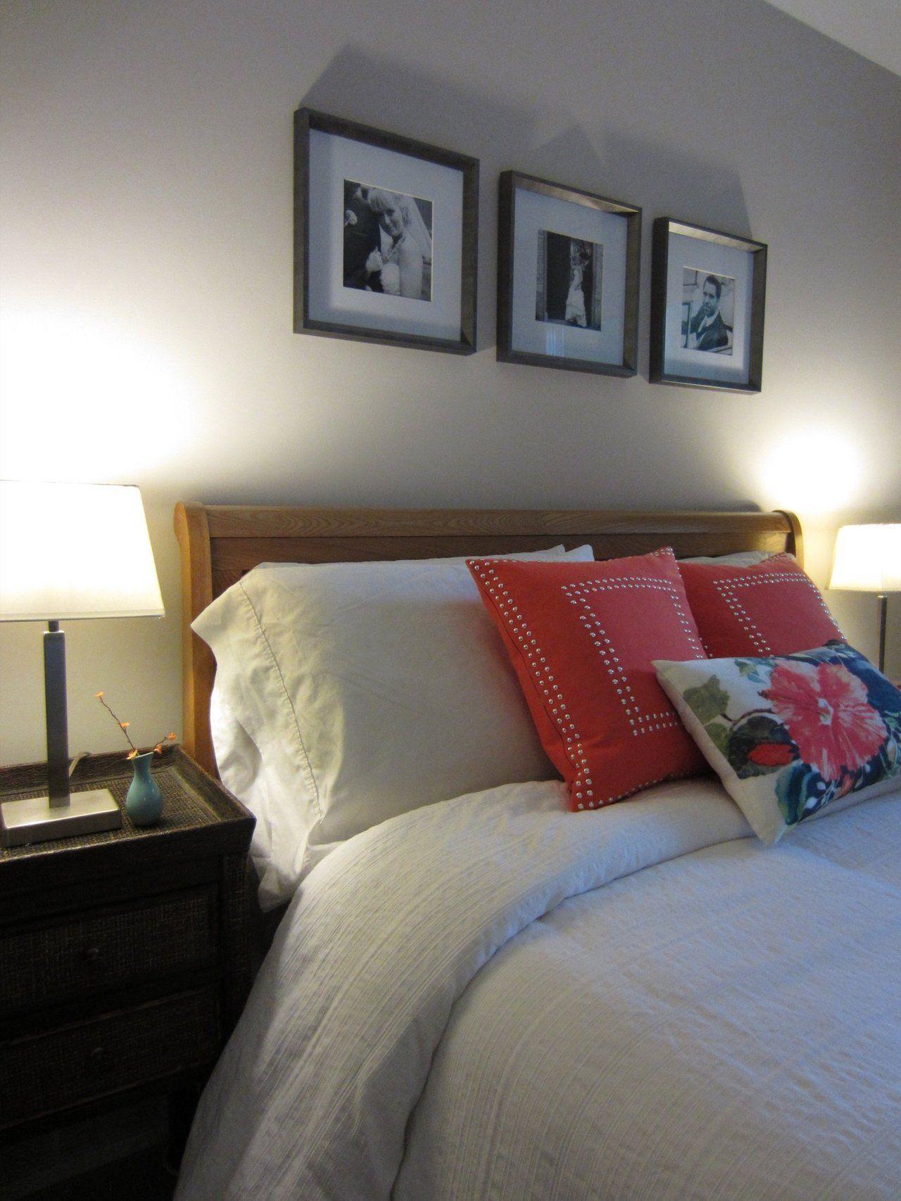 cadres du mariage au dessus du lit, belle photos noir et blanc, j'aime beaucoup