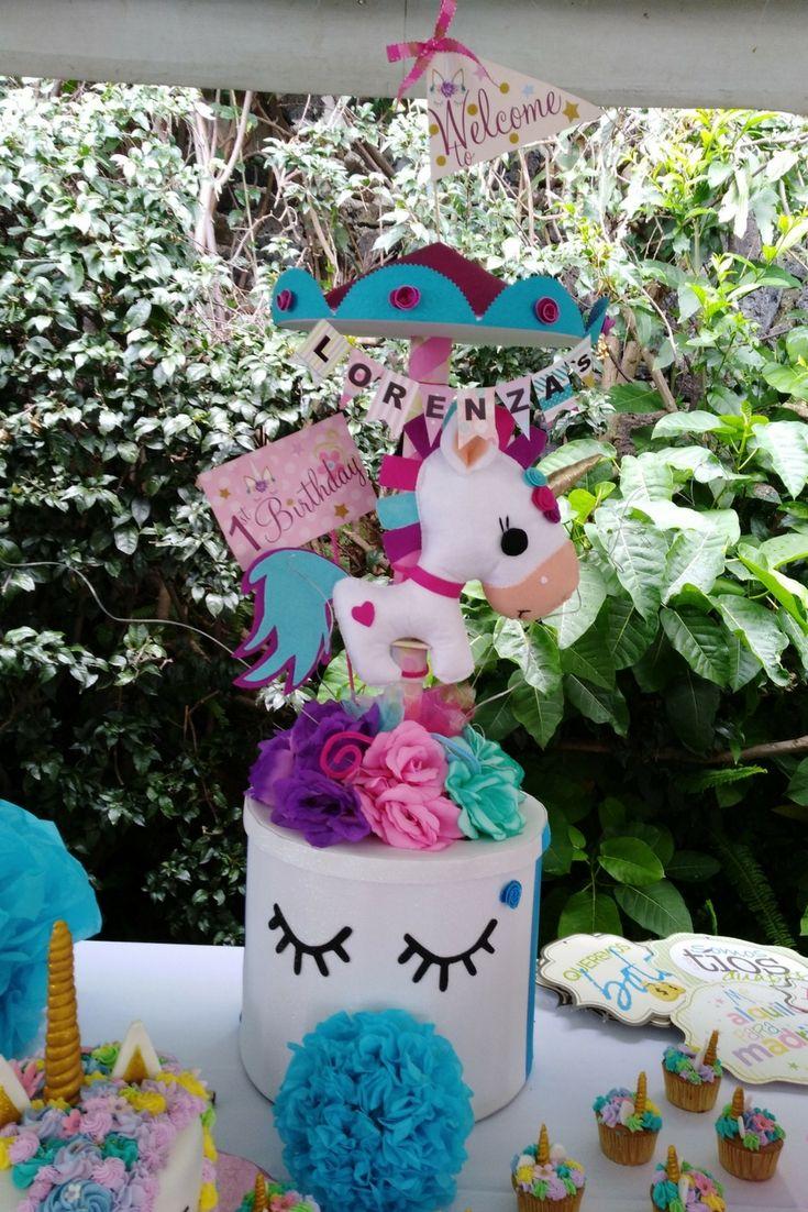Centro de mesa unicornio arreglos con globo y desayunos for Decoracion con muchos cuadros