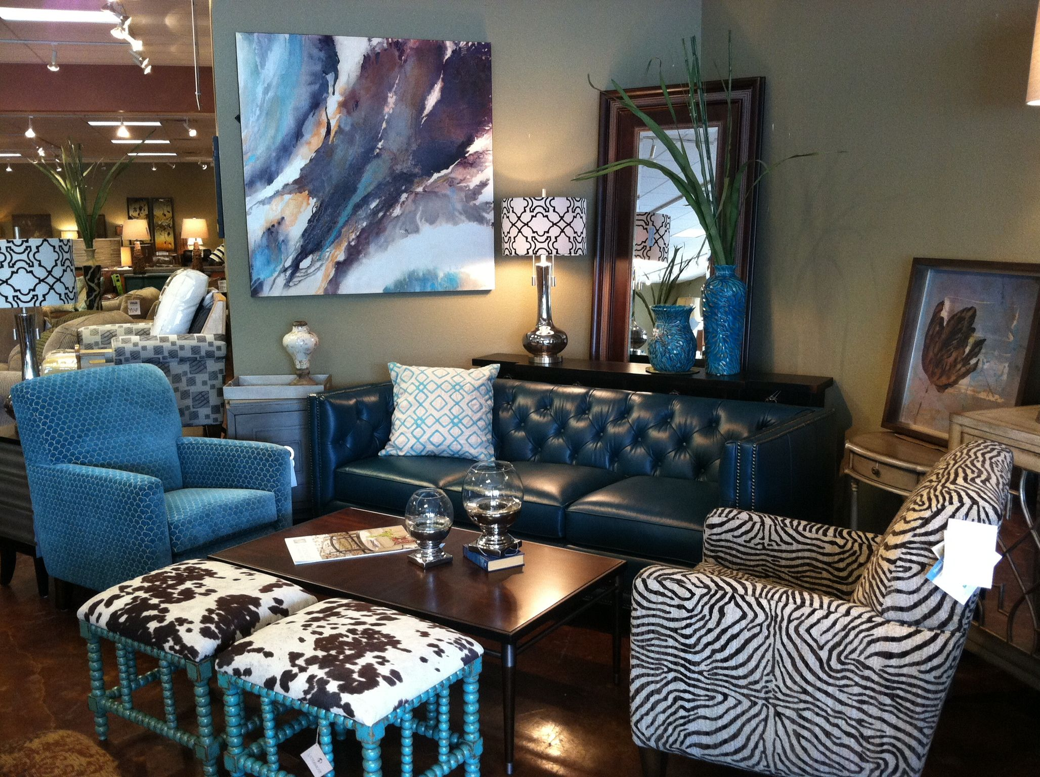 Flexsteel Teal Leather Sofa With Flexsteel Accent Chairs