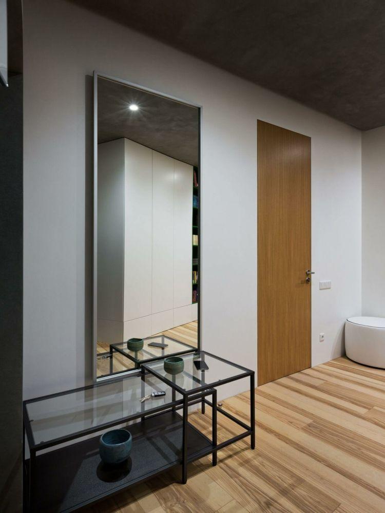 farbe-gruen-flur-einrichtung-minimalistisch-spiegel-glastisch ...