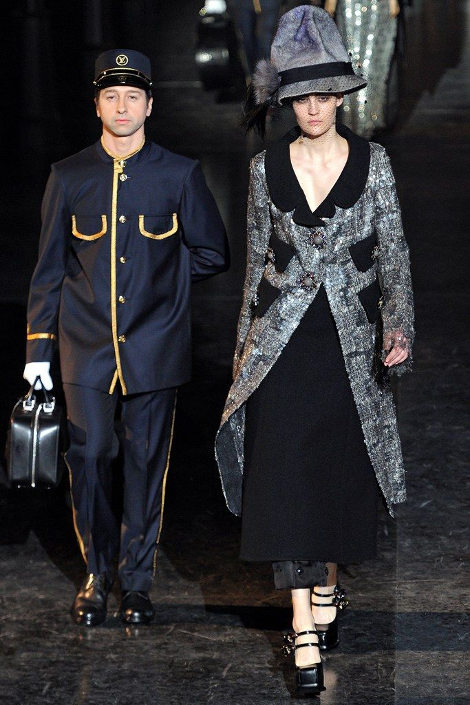 Louis Vuitton Fall 2012 Ready-to-Wear Fashion Show - Maria Bradley