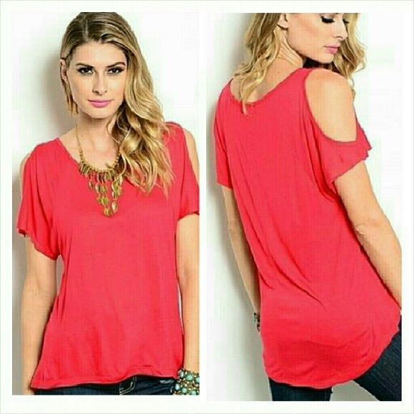 d6c51ad7f23166 Red short sleeve cold shoulder top Size Small 5 6 True red short sleeve open