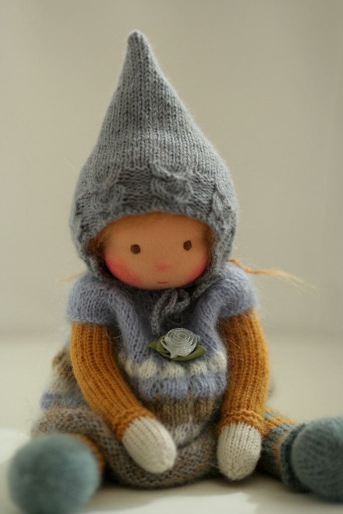 Knitted Waldord doll 13 (With images) | Waldorf dolls ...