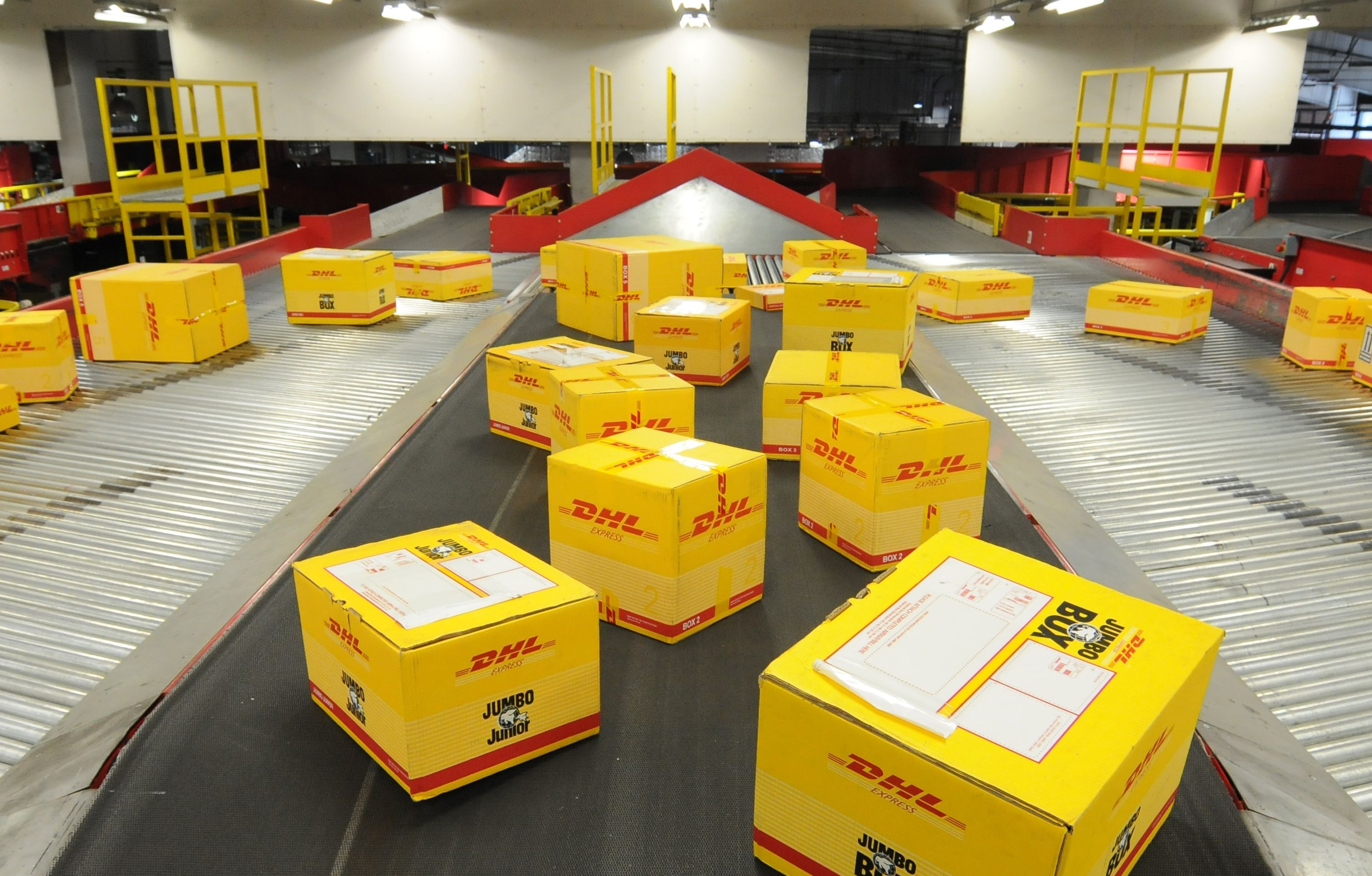 DHL Express Shipping Services Singapore, Tai, Giấm