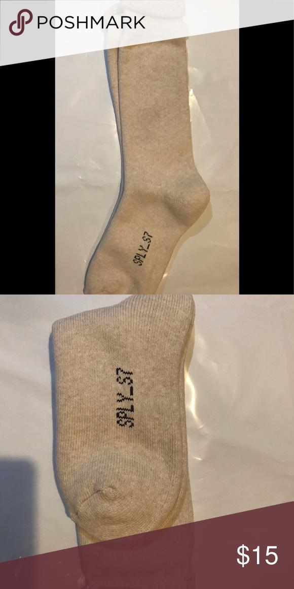 5f8b50d9c7393 NEW Yeezy Season 7 Bouclette Gray L/ XL socks NEW Yeezy Season 7 Bouclette  Light