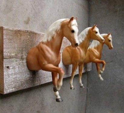 kleiderstäner-selber-bauen-rohr-holz-zweige-spielzeuge -pferde ... - Pferde Kinderzimmer Ideen