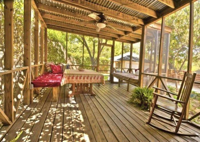 Jolie veranda en bois clai véranda bioclimatique isolation veranda favbricant veranda