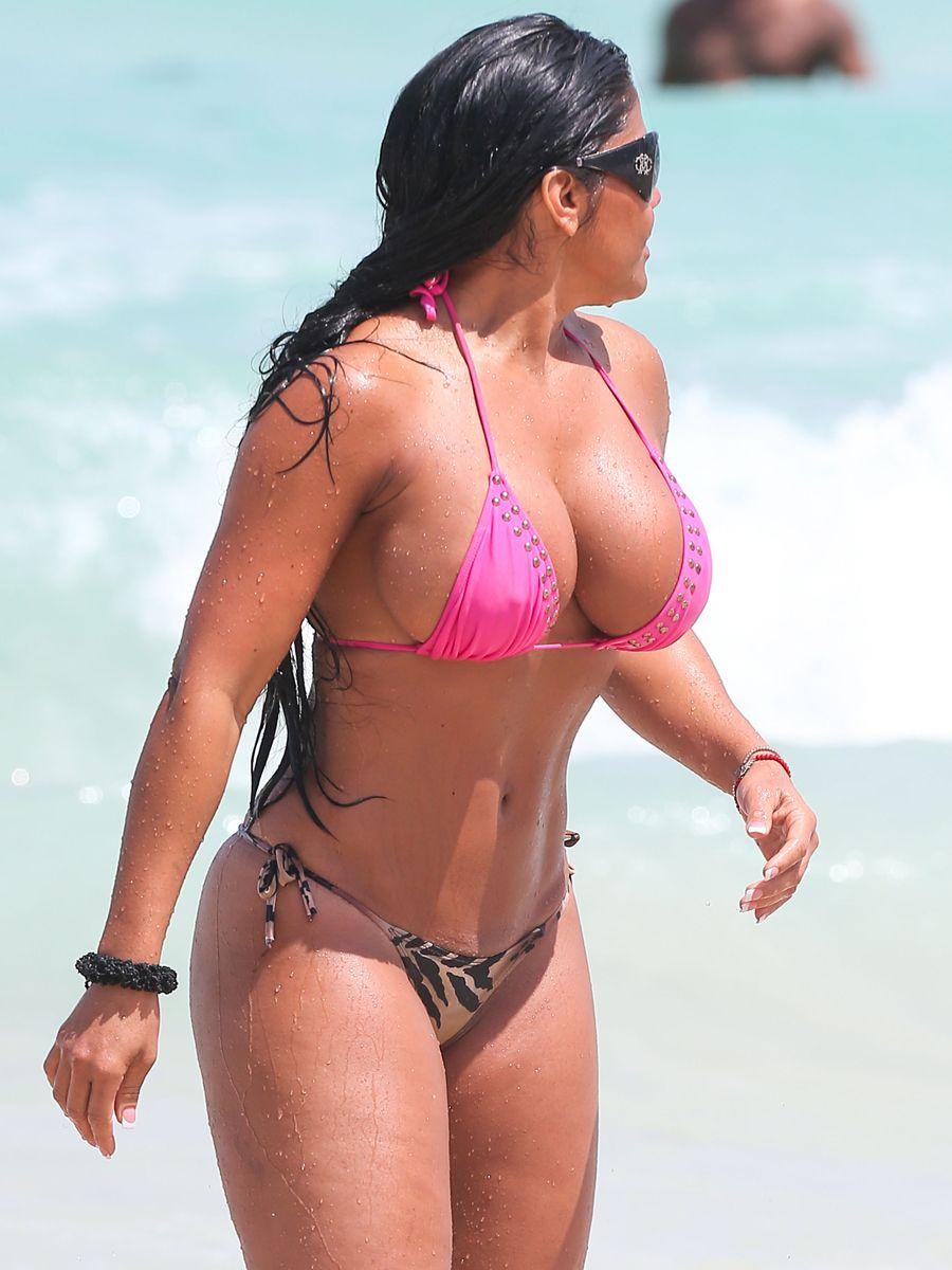 nádherné nahé čierne ženy