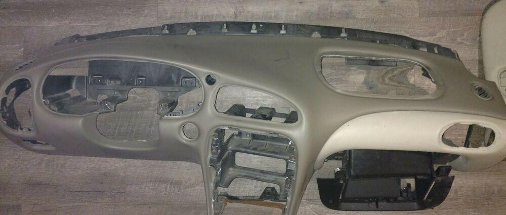1999 Oldsmobile Alero Dash Assy Tan 22675336 Glove Box And Fuse