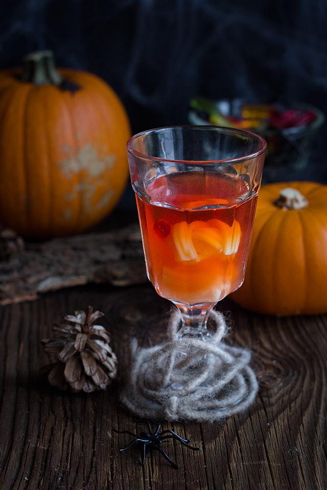 Schauriges Halloween: Grusel-Cocktail {Werbung | Grusel, Cocktails ...