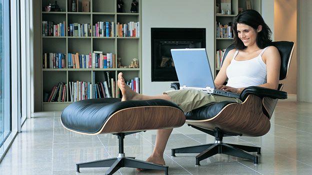 Consejos para organizar tu trabajo desde casa http://www.redestrategia.com/como-nos-organizamos-cuando-trabajamos-en-nuestra-casa.html