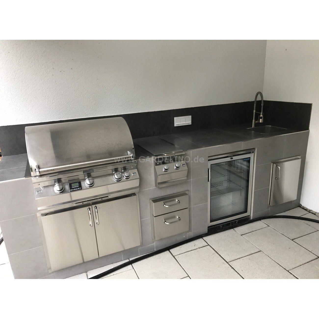 Moderne Gartenküche Aus Edelstahl Mit Fire Magic Grill Und Seitenbrenner,  Kühlschrank Und Spüle //