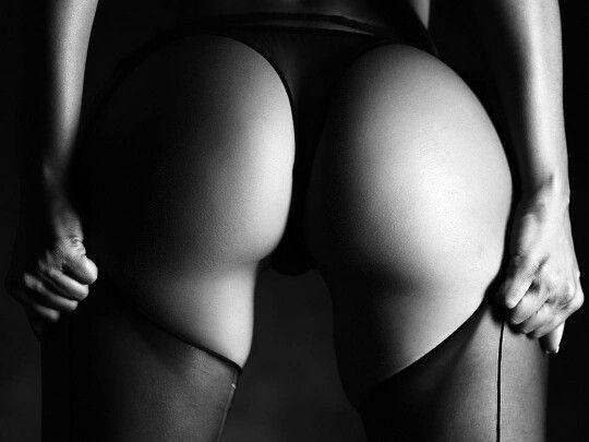 Rhona mitra hollow man nude