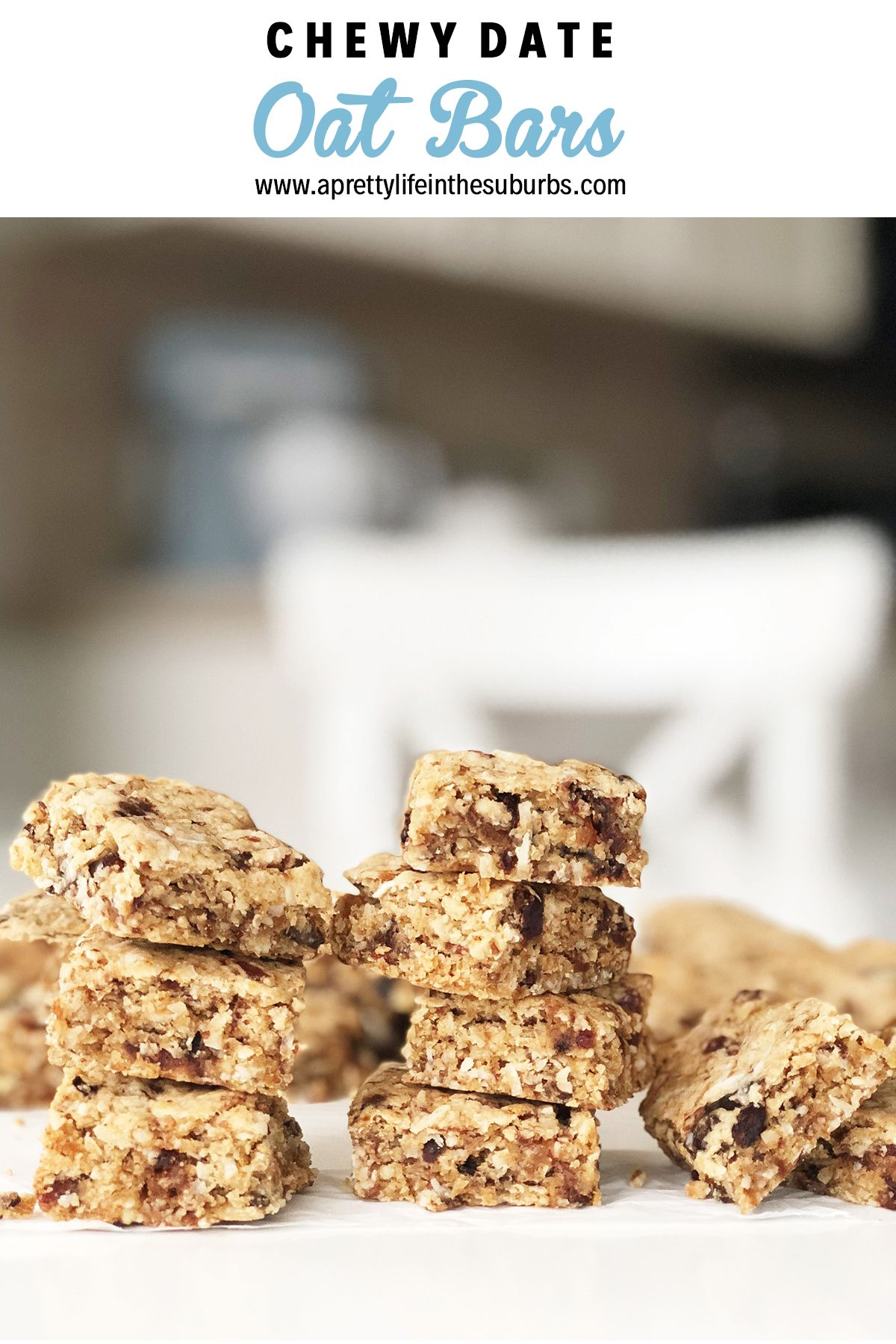 These Chewy Date Oat Bars Are Packed Full Of Dates Prunes Dried Fruit Coconut Almonds And Oats A Del Oat Bars Oatmeal Chocolate Chip Bars Oat Bar Recipes