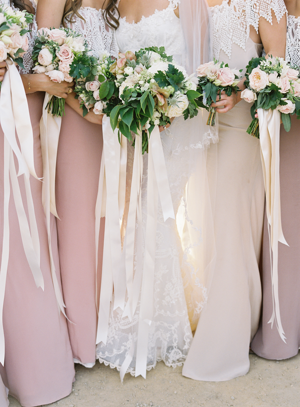 bouquets with long ribbons - so romantic
