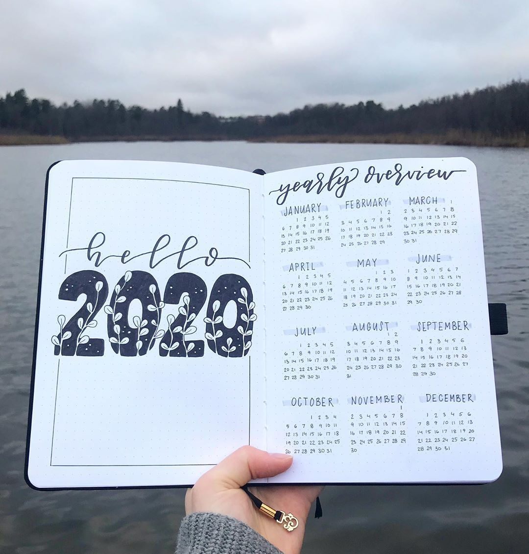 "Gefällt 10.9 Tsd. Mal, 97 Kommentare - Bullet With E (@bulletwithe) auf Instagram: ""hi! 2020 is almost here and this is my first spread in my new bullet journal!"