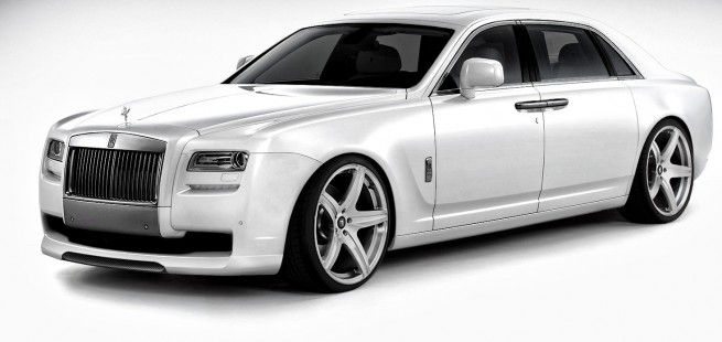 Rolls-Royce Ghost, La prestigiosa marca británica de coches Rolls-Royce Motor Cars ya ha empezado a poner la miel en los labios a sus seguidores adelantando los primeros detalles de la versión para 2.013 del Ghost, su modelo pequeño, y es que mide cinco metros y medio. Sin embargo no es su tamaño lo que llama la atención, sino la oferta de colores que estará disponible para su carrocería, nada más y nada menos que 44.000 colores.
