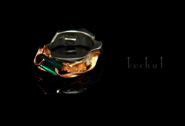 """ Passionate Embrace "". Gold, silver, tourmaline."