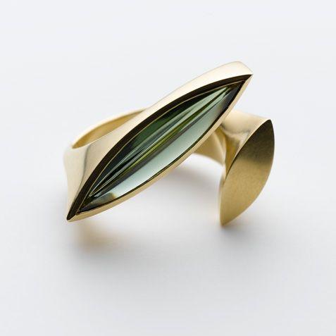 Modern Jewelry gold ring Ringe – Galerie Isabella Hund