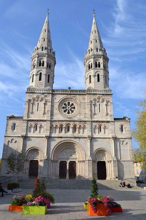 Église St Pierre - MÂCON (Bourgogne)