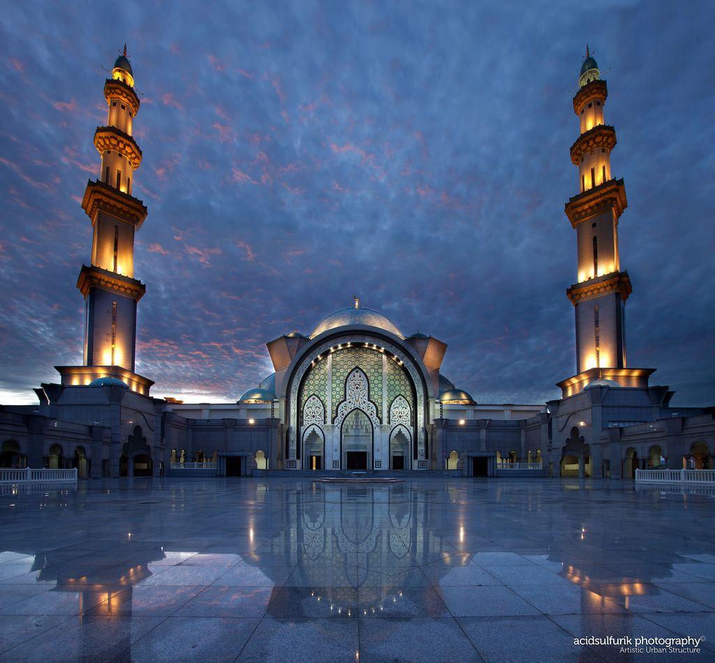 Federal Mosque, Kuala Lampur, Malaysia  Artistic Urban Structure (by acidsulfurik)
