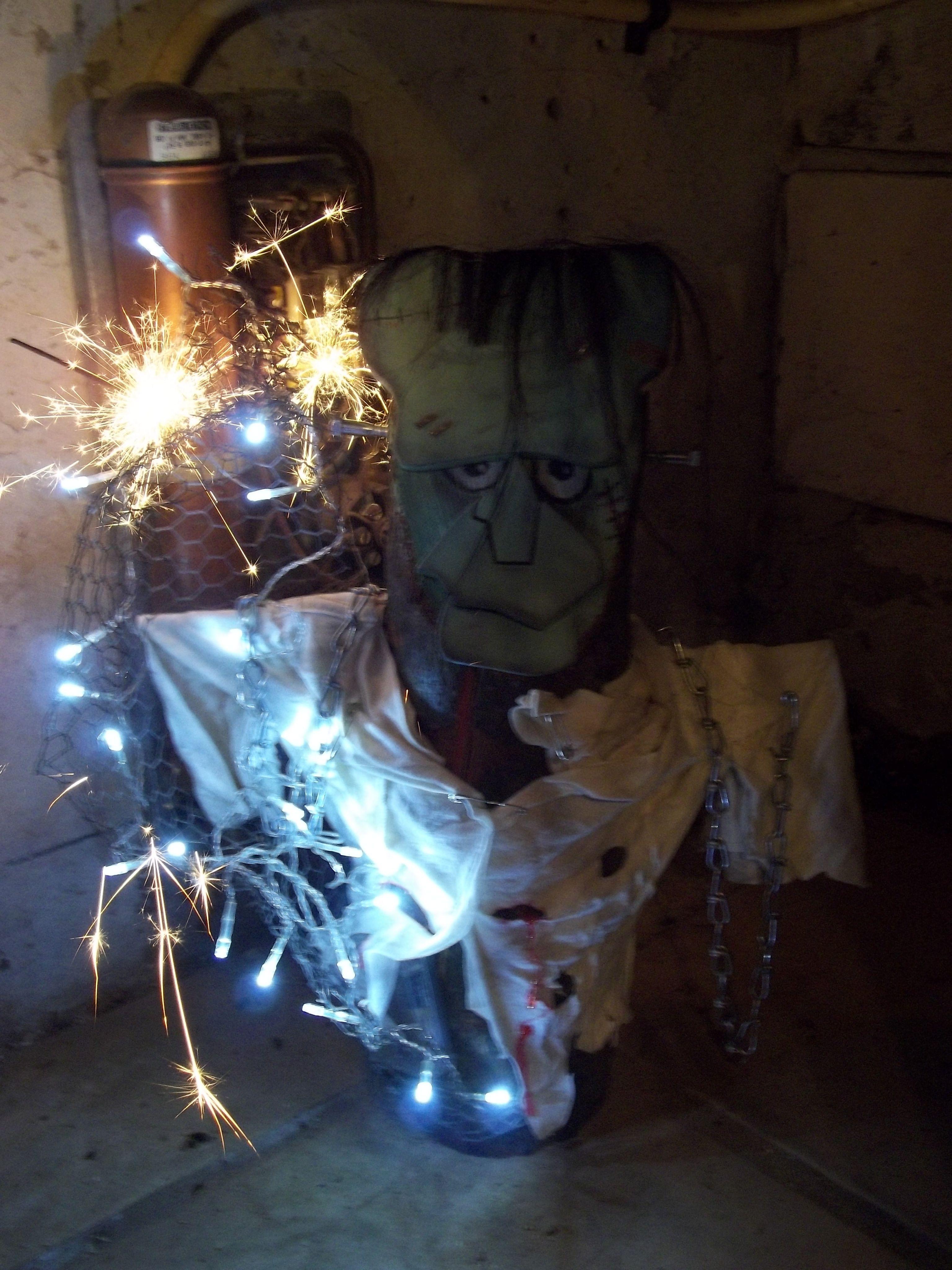 Frankenstein Deko Holz Halloween Baumstammfigur